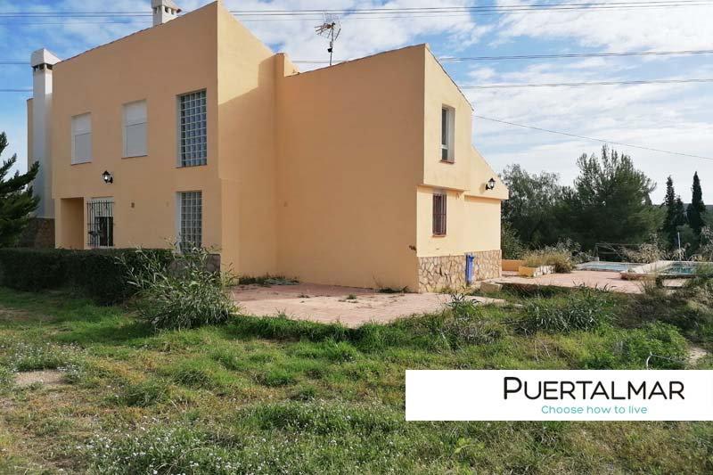 Chalet independiente en Rebolledo - Alicante.  3 Hab, 2 baños, Garaje, Piscina
