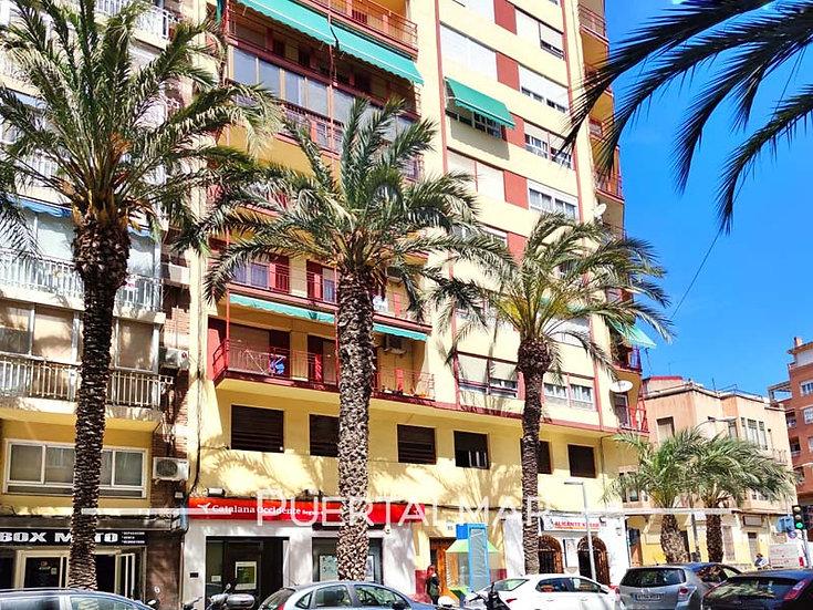 Piso en Av. Salamanca - Centro de Alicante.  3 Hab, 1 baño