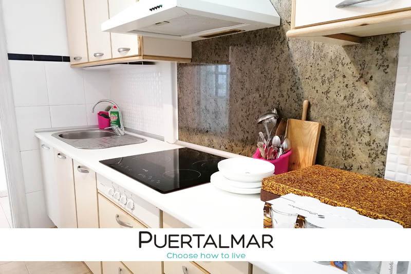 Piso en calle Barcelona - Pla del Bon Respos - Alicante:  4 Hab, 1 baño