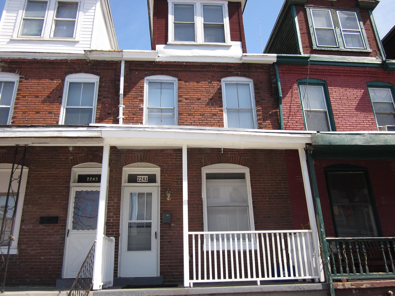 Pop's House exterior