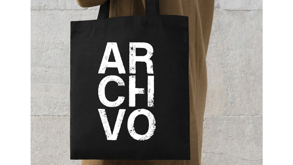 ARCHIVO PRINT TOTE BAG