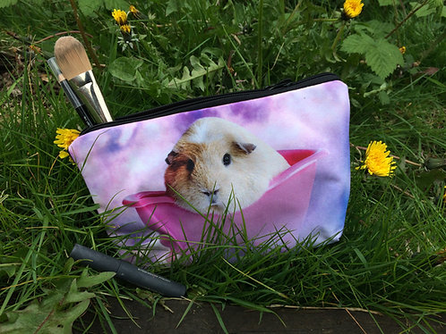 Guinea pig in the bath cosmetic/pencil case