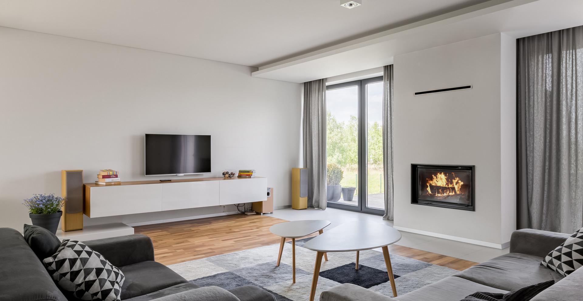 Sala de estar blanca y gris