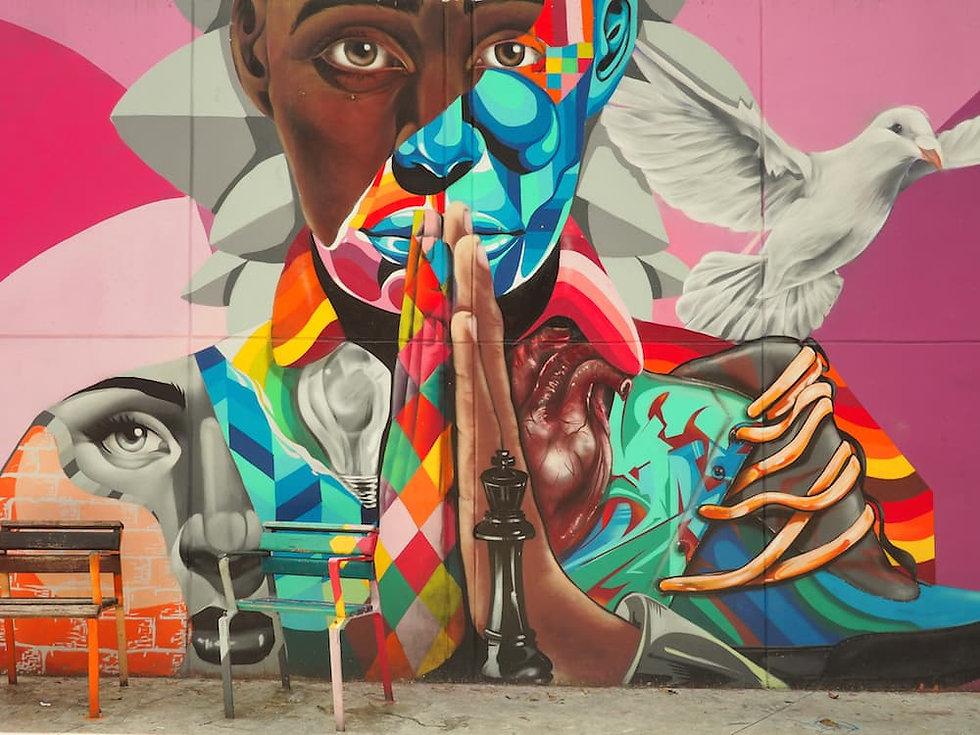 Comuna-13-Medellin-street-art........jpe