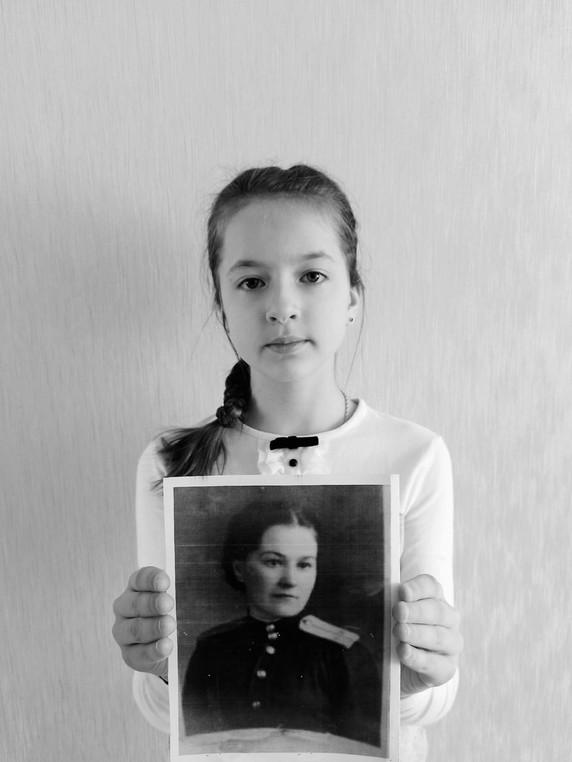 Михеева Анастасия с прабабушкой Артемьевой Татьяной Ивановной