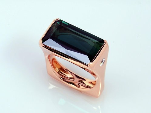 DAVID CRANDALL Rosé 18K, Green Tourmaline, and Diamond Ring