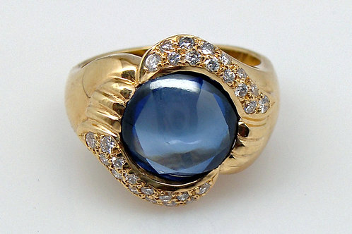 ESTATE Synthetic Blue Sapphire Cabochon Ring in Yellow 18K Gold