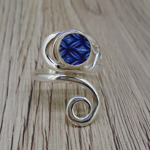 Old Willow 'Diamond' Pattern Sterling Silver Adjustable Twist Ring