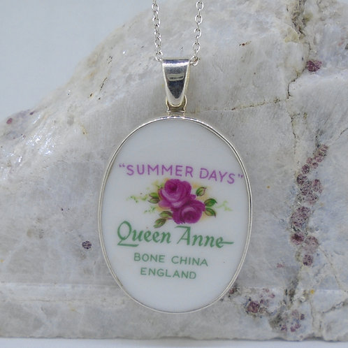 Queen Anne 'Summer Days' Sterling Silver Pendant