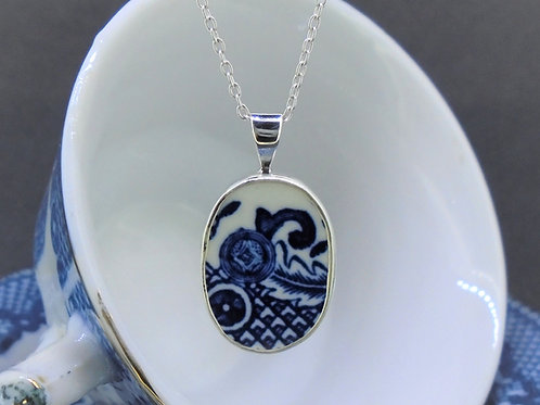 Old Willow 'Swirl' Oval Sterling Silver Pendant
