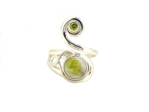 Iona Marble Celtic Twist with Peridot Ring