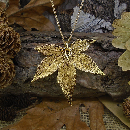 Japanese Maple Leaf Pendant - Gold (Medium)