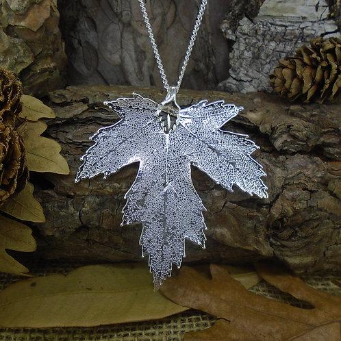 Silver Maple Leaf Pendant - Silver (Medium)