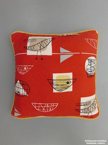 Vintage cushion Marian Mahler 50s Bird and Bowl fabric