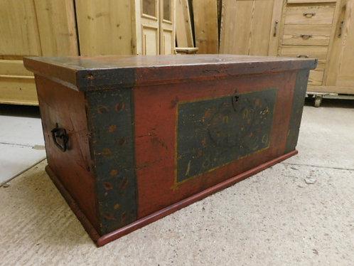antique original paint box/chest