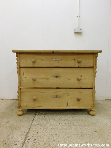 Old antique pine chest of drawers
