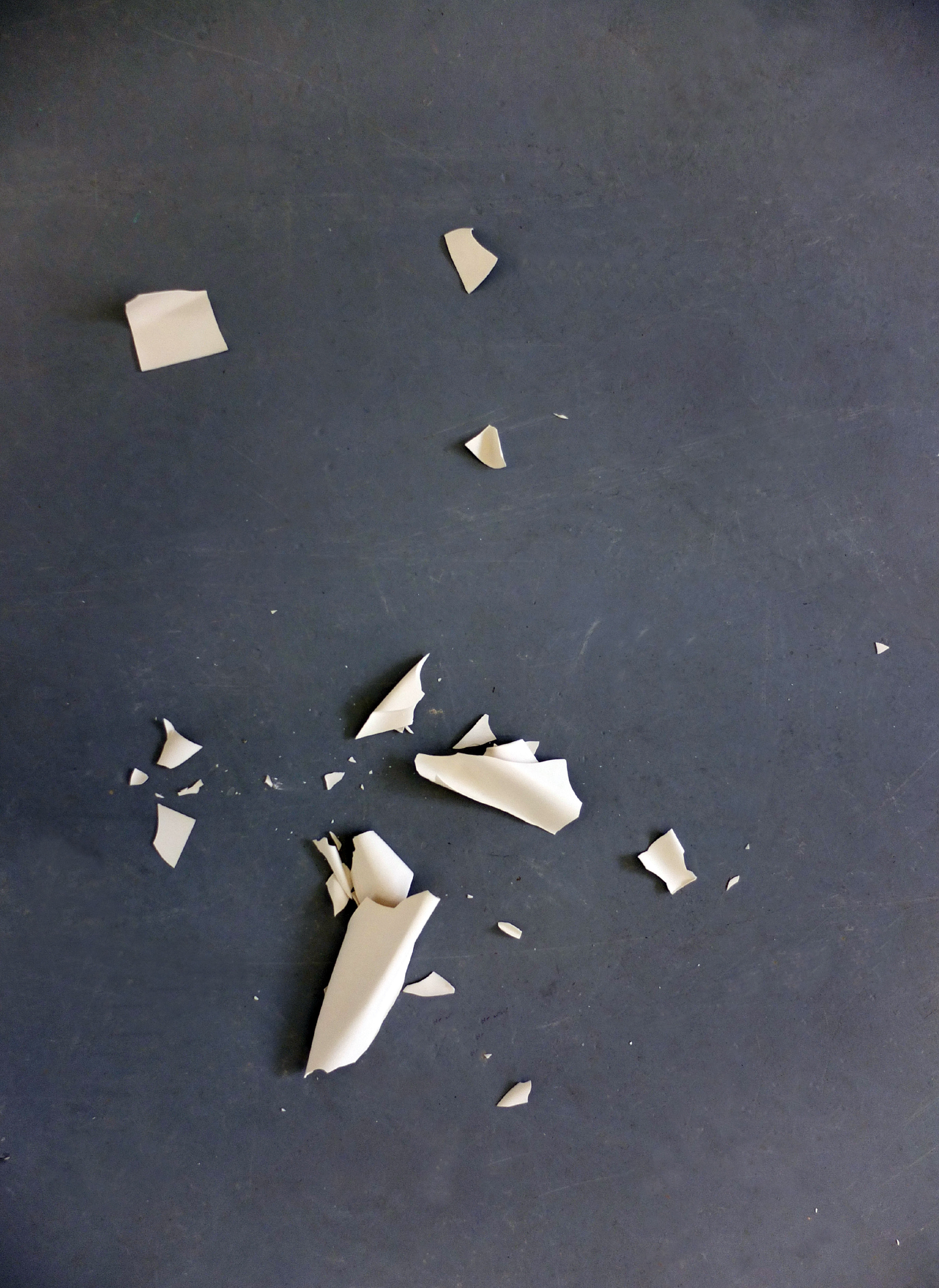 Paper plane-Broken