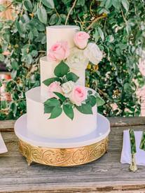 elegantweddingcake.jpg