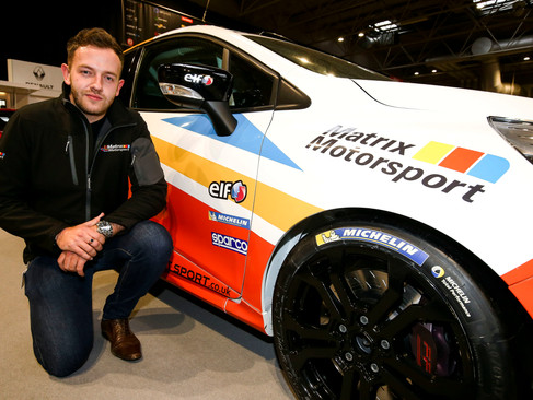 Mike Epps Switches to UK Clio Cup to head up new 4-car team