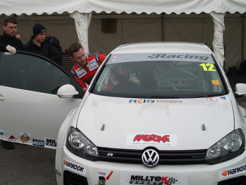 Experience Gained and Promise Shown by Epps at First VW Cup Races Despite Electrical Issues