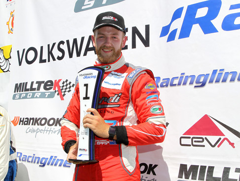 Maiden VW Cup Wins for Epps in Double Victory Sweep