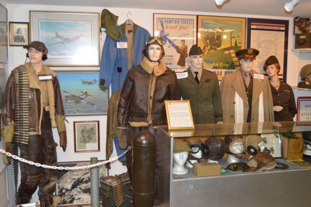 WW2 Flight clothes