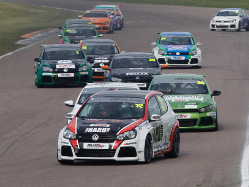 Epps Improves with triple Top 10 at Rockingham