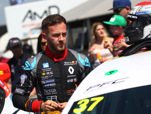 Epps Hard Fought For More Points in Shortened Thruxton Races