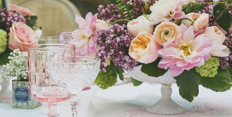 spring-centerpieces-table-arrangements-1524262601