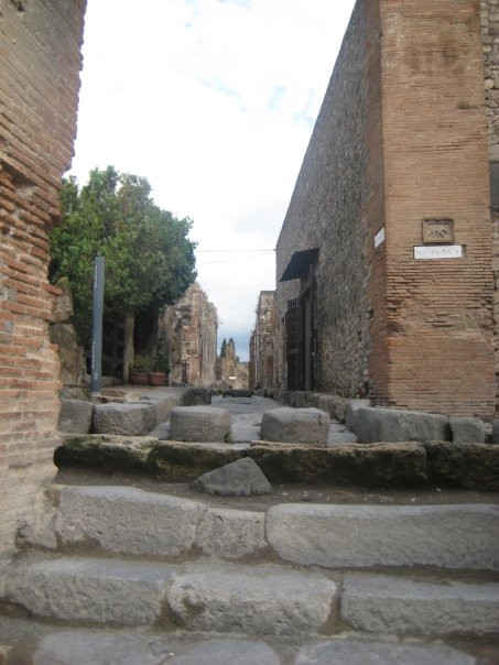 Ancient stepping stones in Pompeii
