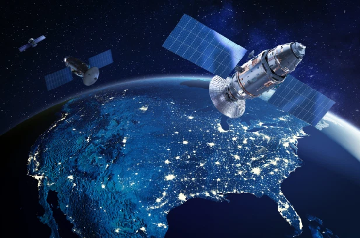 russia-usa-satellite-stalk-02.webp