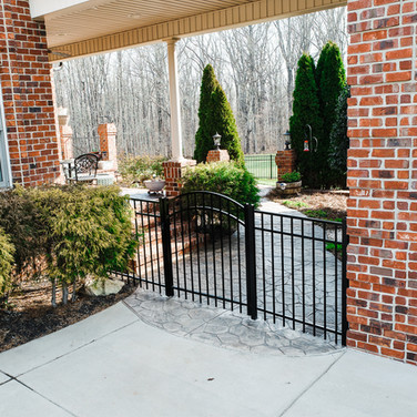 ActiveYards Black Granite Aluminum Arched Gate