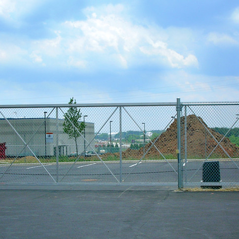 Commercial Chain Link Cantilever Gate