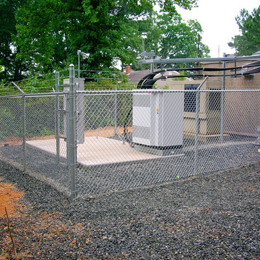 Commercial Chain Link w/ Barbed Wire