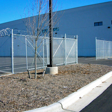 Commercial Chain Link w/ Razor Wire