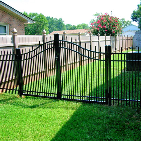 Spear Top Aluminum with Estate Double Swing Gate