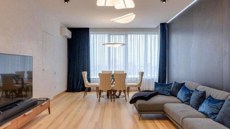 Снять 4-х комнатную квартиру на ул. Евгения Коновальца