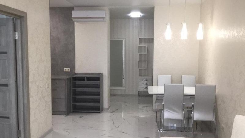Снять 3-х комнатную квартиру на ул. Кахи Бендукидзе