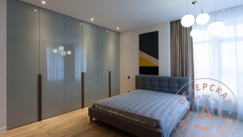 Купить 3-х комнатую квартиру ул.Кловский спуск 7