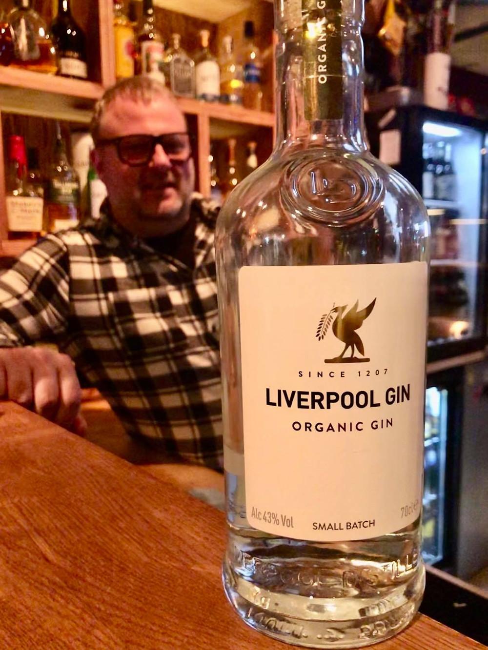 Daglig leder på PT`s Per Olav Gjæverud vet hva Liverpool-supportere liker! Foto: Jaran Pedersen