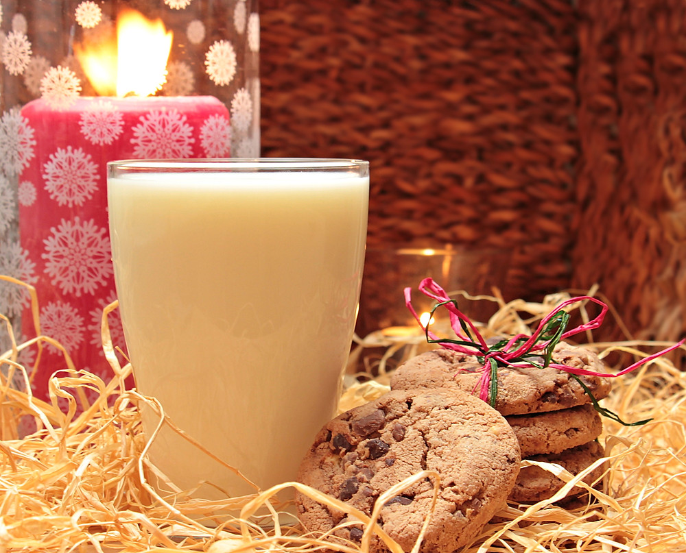 Candles and comfort food may help manage stress