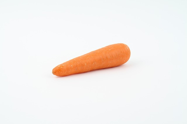 1 medium carrot is 1 serving of vegetables