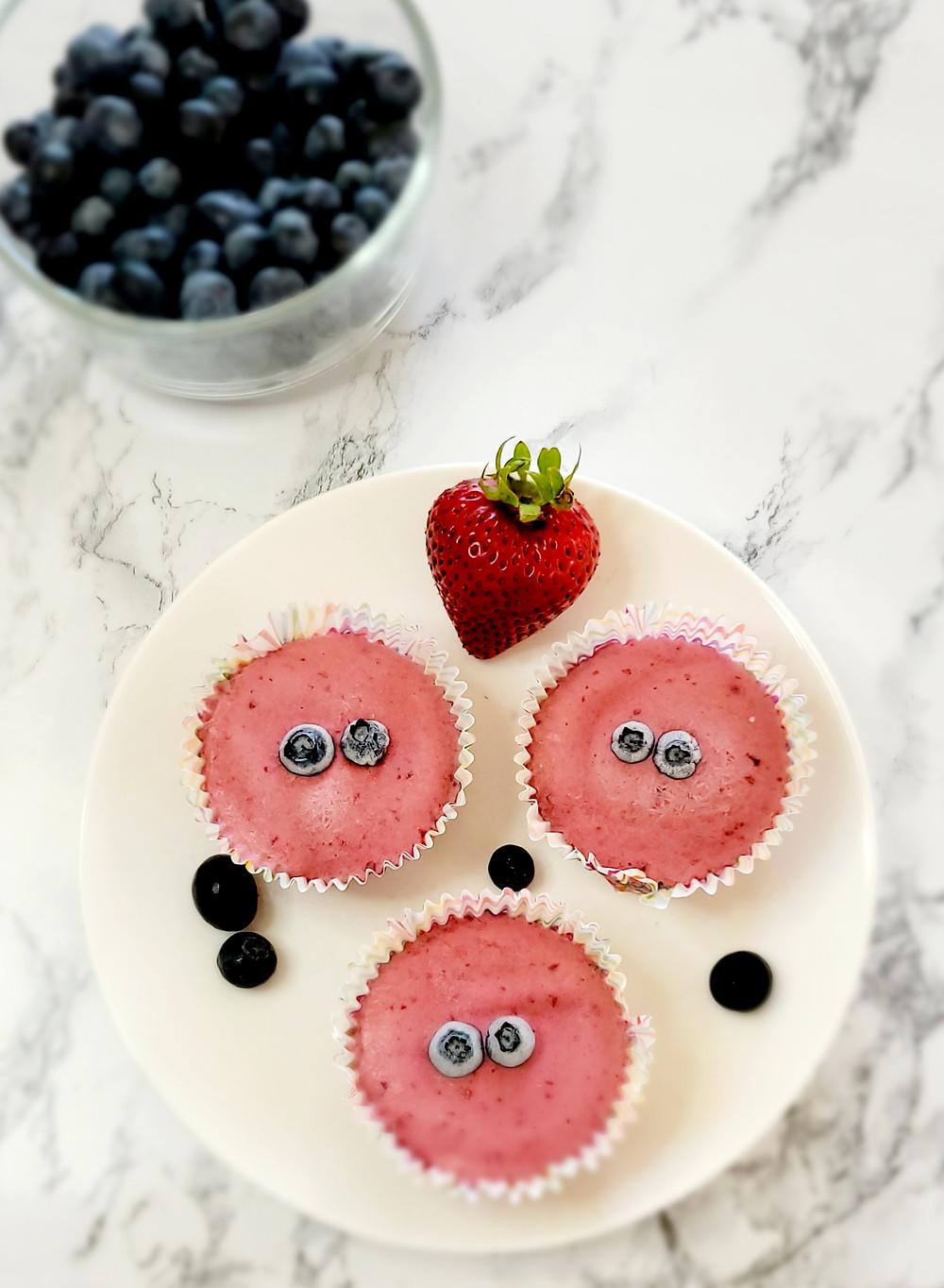 Fruity Fro-Yo Mini Tarts made with Greek yogurt