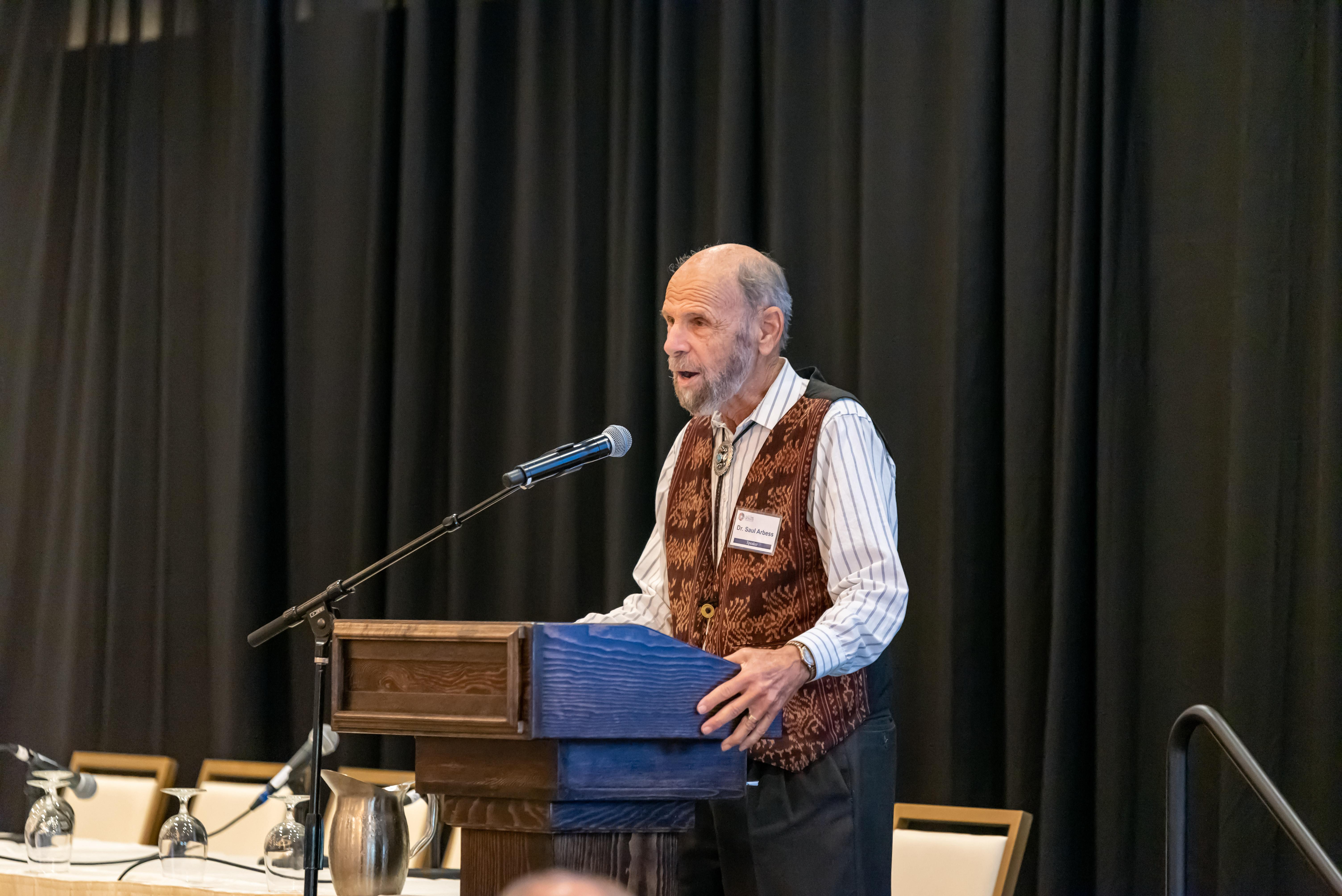 Dr. Saul Arbess