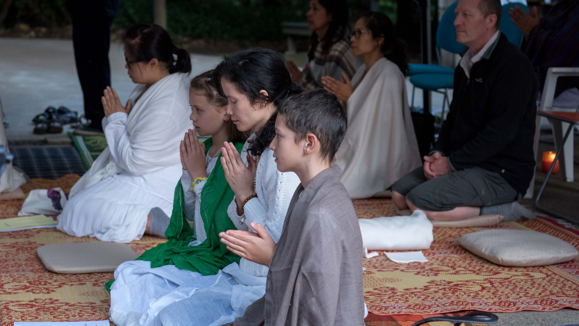 Sunday Chanting & Meditation