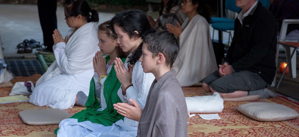 Sunday Chanting & Meditation