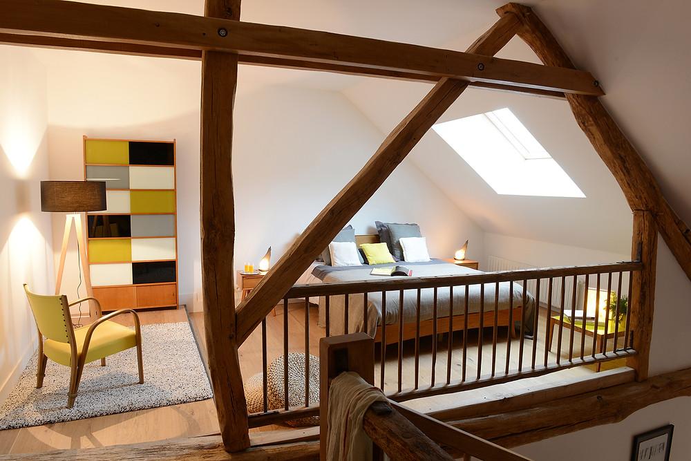 Sur la Mezzanine, un lit King size pour s'ébattre !