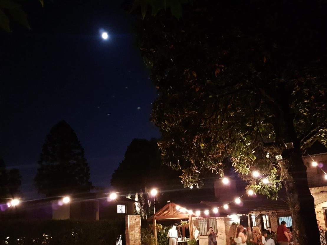 La luna es parte de la fiesta!