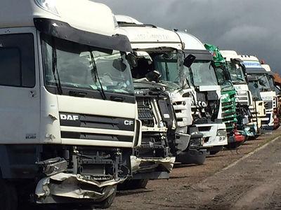 cardump- truck wrecker2.jpg
