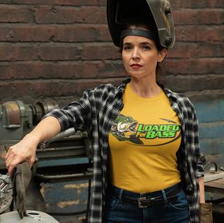 t-shirt-mockup-of-a-woman-repairing-her-